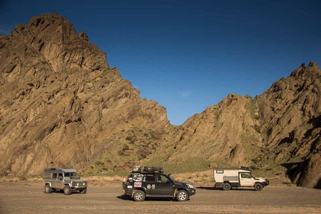 overlanding in mongolia defender