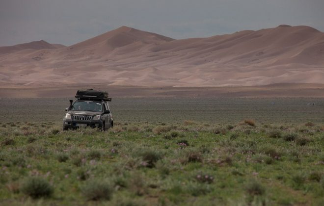 overlanding to the gobi desert mongolia