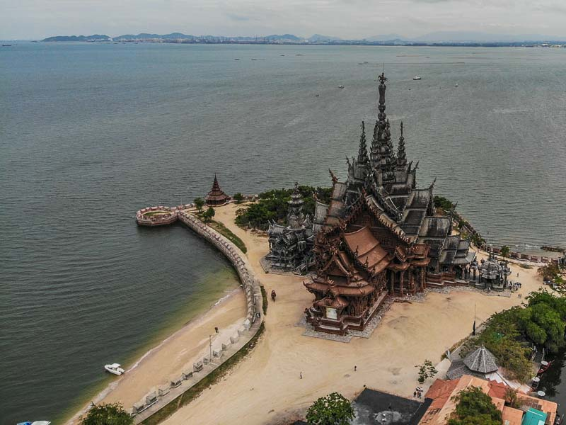 wooden temple pattaya